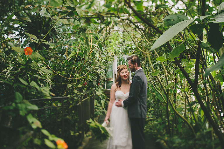 Lindsay + Graeme//Love in the Conservatory — Sun and Life